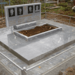 Монтаж надгробной плиты